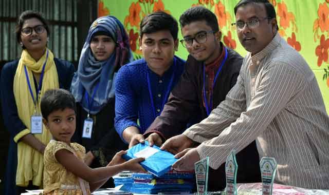 ভূঞাপুরে মানবতার সেবায় ফাউন্ডেশনের শিক্ষার্থীদের মাঝে পুরস্কার বিতরণ
