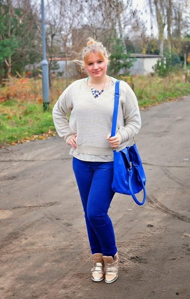 złoty-sweter_spodnie_second-hand