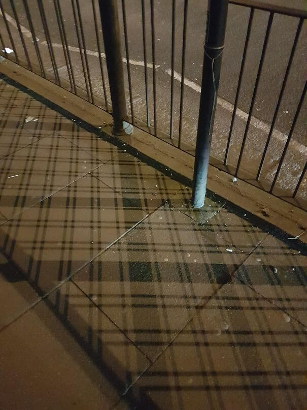 20 Pictures Prove That 'Accidental' Art Can Be Astonishing - Even The Shadows In Scotland Are Plaid