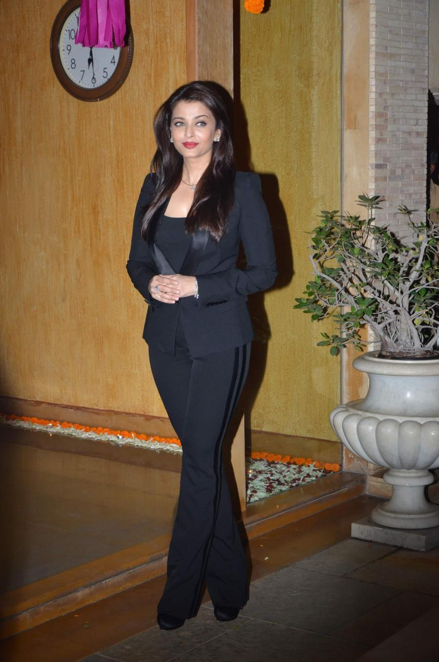 Actress Aishwarya Rai Long Hair Stills In Black Suit