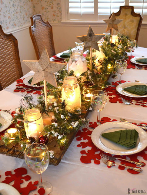 http://www.hertoolbelt.com/winter-wonderland-christmas-tablescape/