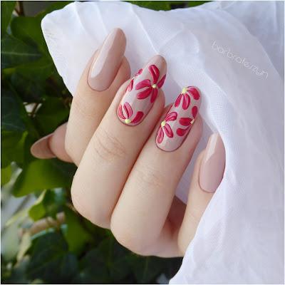 kwiaty 3D na paznokciach