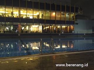 kolam cikini buka sampai malam