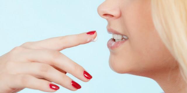 Mengatasi Bibir Kering dengan Mudah