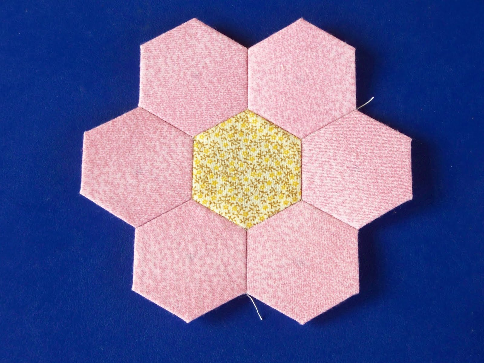 When Life Gives You Scraps  Make Quilts   Hexagon Tutorial