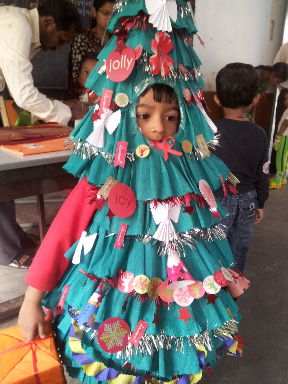 Diy Fancy Nails: Sony Little Box: Paper Christmas Tree For Fancy Dress Costume