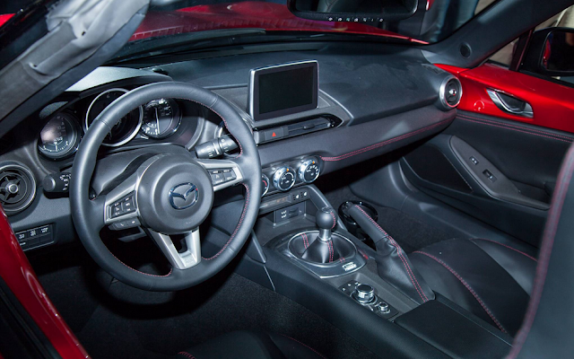 2017 Mazda MX-5 Coupe Interior