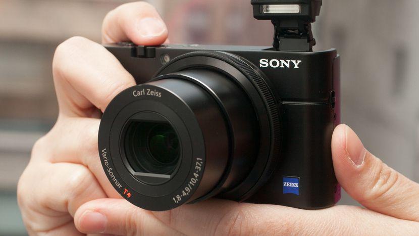 Harga Kamera Digital dengan Spesifikasi Menengah ke Atas