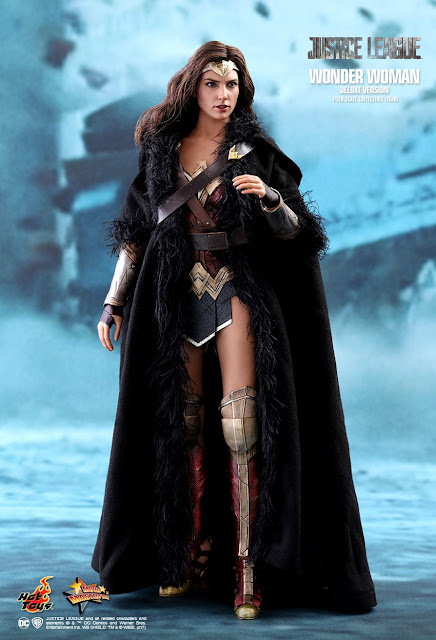 osw.zone Hot Toys 1/6 Scale Justice League Wonder Woman (Deluxe Version) Collector Figure