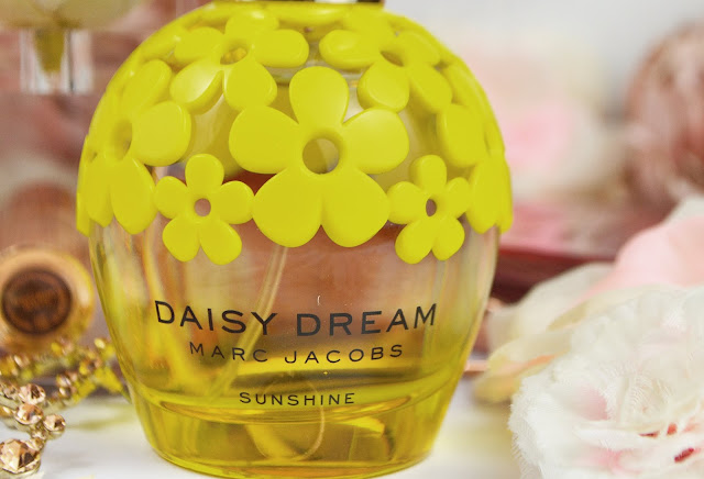 Lovelaughslipstick Blog Marc Jacobs Daisy Dream Sunshine Perfume