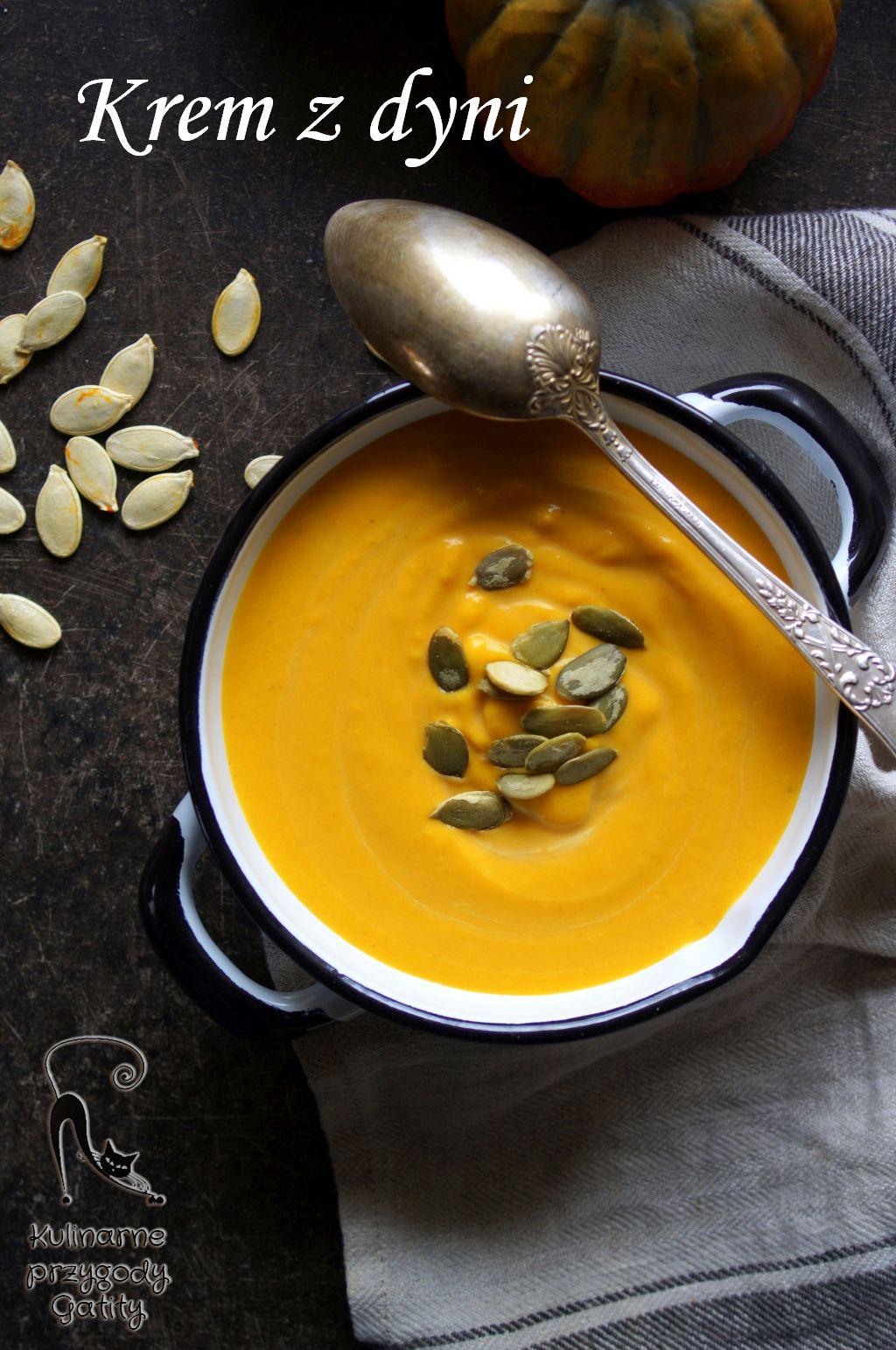 pomaranczowa-zupa-w-misce