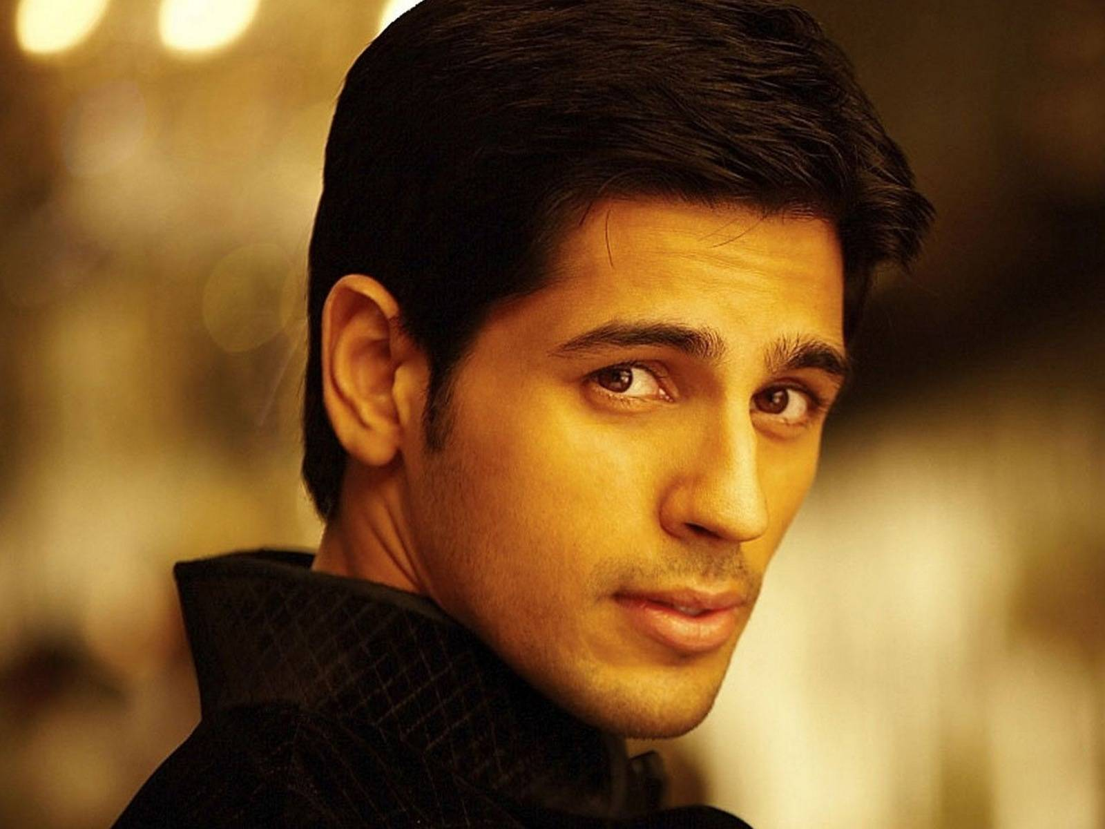 Bollywood Actors Walpaper In 2080p: Sidharth Malhotra Bollywood Actors HD Wallpaper In 1080p