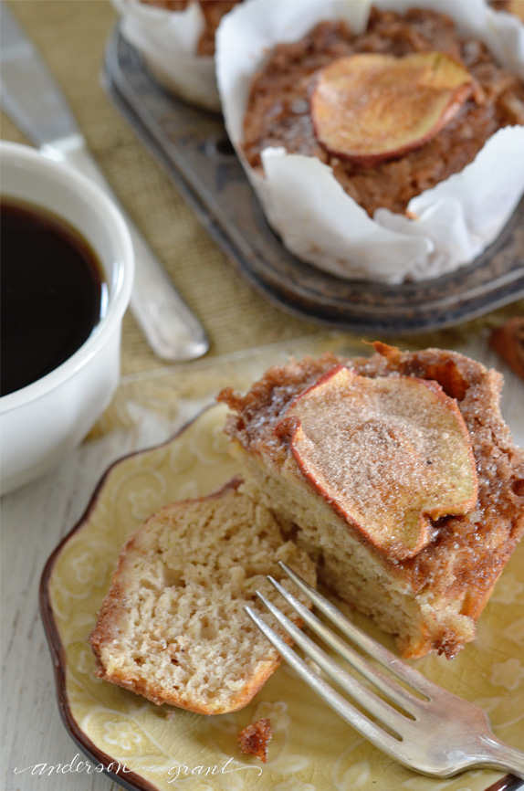 Slicing into a Rustic Apple Muffin with Crumb Topping | www.andersonandgrant.com
