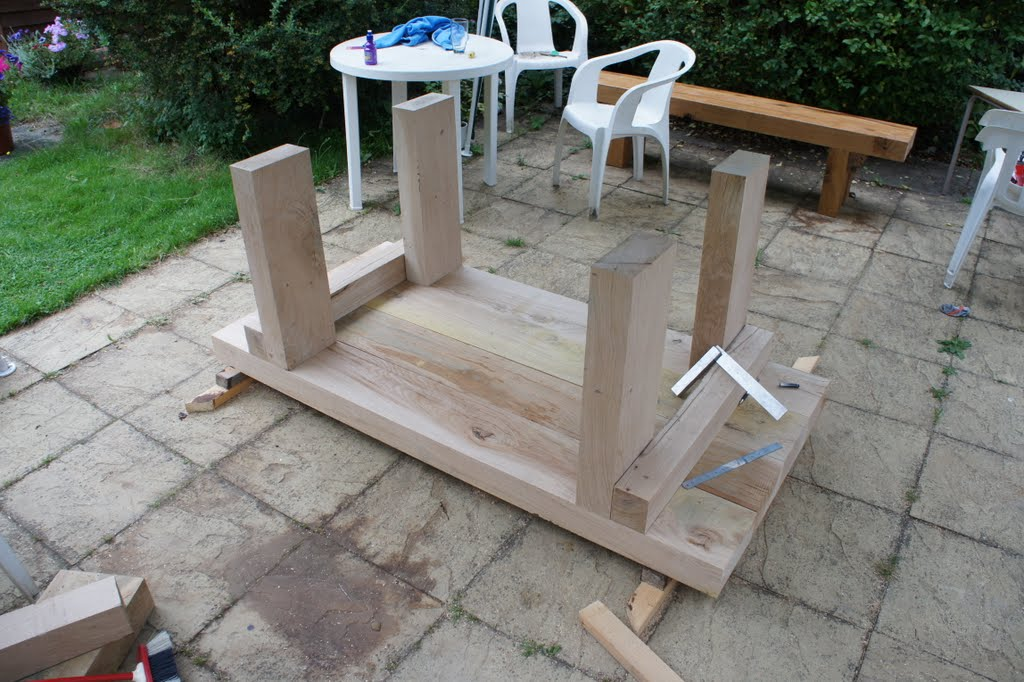 DIY project: Oak beam garden furniture. Part 2. garden table