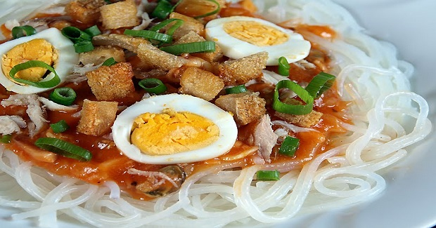 Filipino Pancit Palabok Recipe