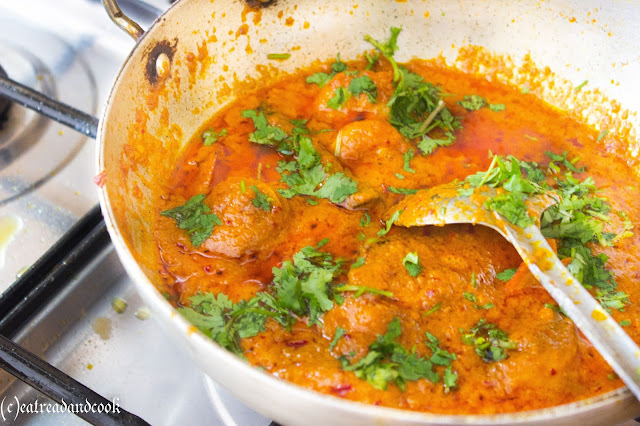 how to cook restaurant style easy prawn bhuna