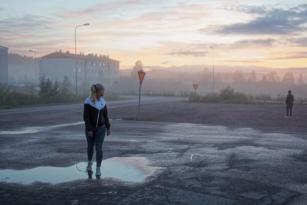 Hannu Pakarinen photo documental, finland people, sunset, women,