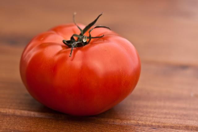 """Manfaat Buah Tomat Untuk Wajah """"Kecantikan Dan Kesehatan"""""""