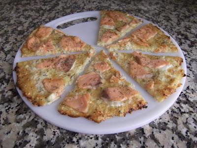 Pizza-col de salmón ahumado y eneldo