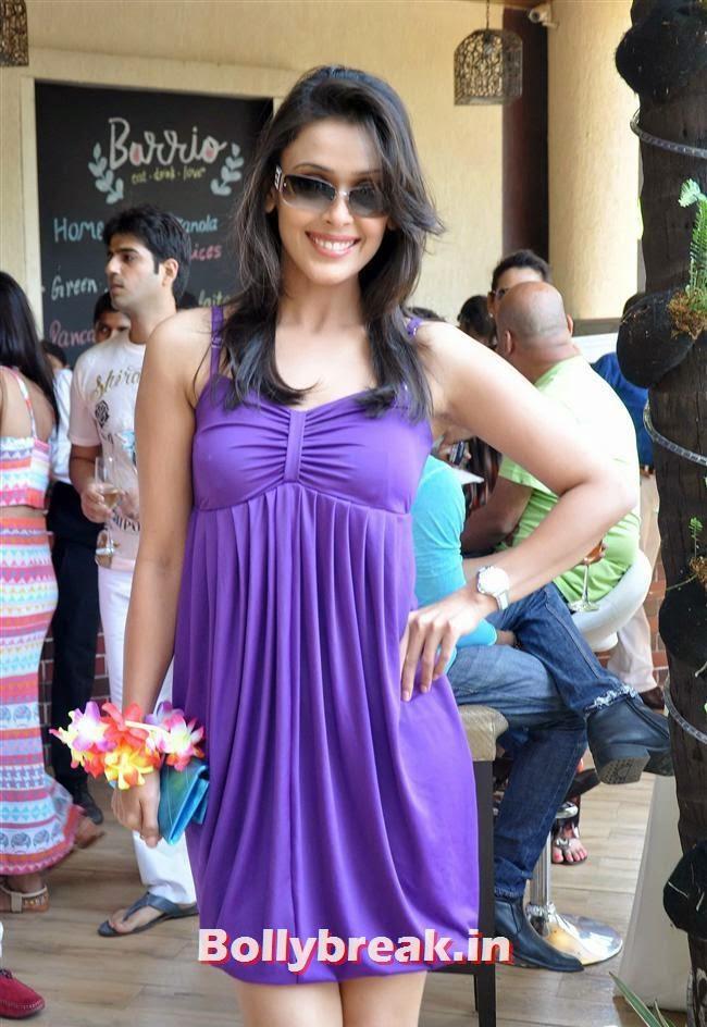 Hrishita Bhatt, Bollywood Page 3 Celebs at Sheetal Nahar Brunch Party