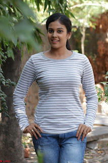 Actress Chandini in ed Tight Top at Ennodu Yilayadu tamil movie press meet ~  45.jpg