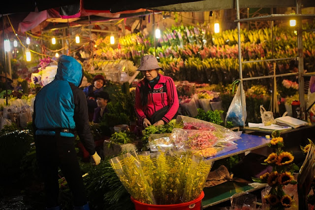 Five most popular markets in Hanoi 5