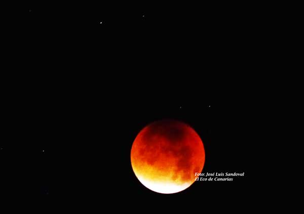 Desde Canarias el eclipse de Luna más largo del siglo XXI, para el mundo, el 27 de julio
