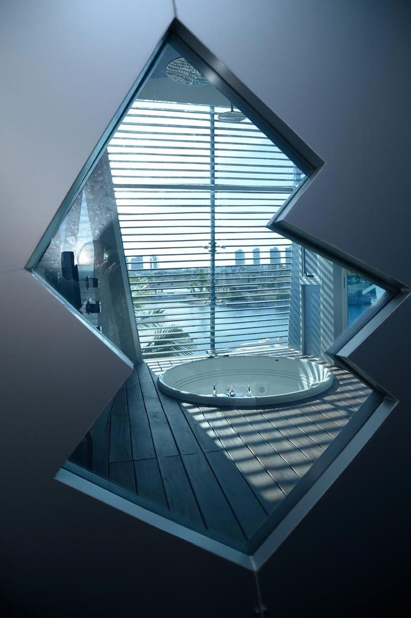 com decor Casa Moderna e Futurista Com Muita Luz e Cor