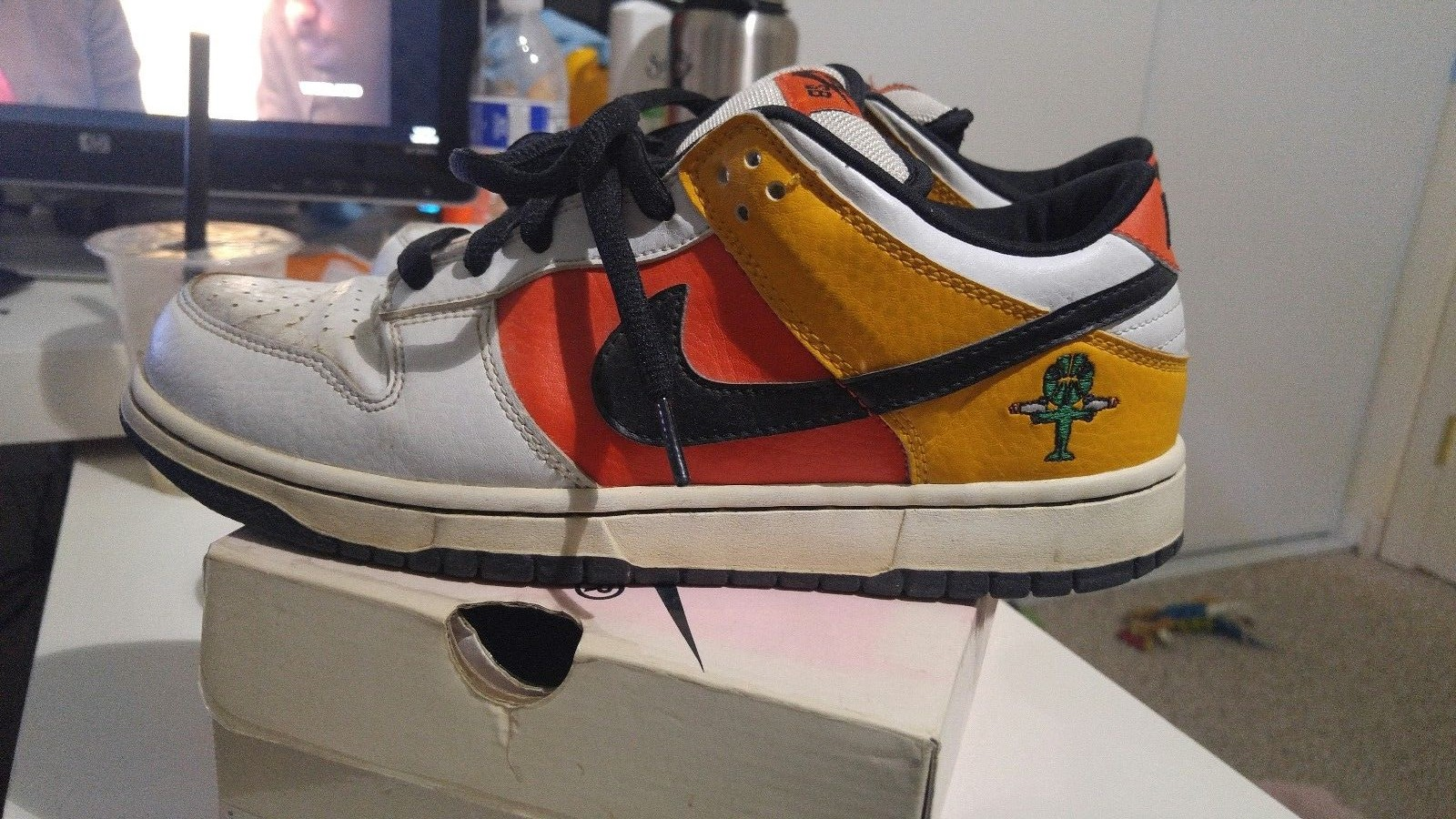 finest selection 2d811 133e3 Nike SB Dunk Low Pro Away Raygun - US  200