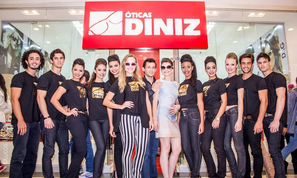 30d66ed7f536e Moda   óticas Diniz Brasil Park Shoping   Foto  Lucas Lenzi   Hariane Rocha   make up   Raffael Rodrigues   Assistente de Make   Elisvaldo Lopes   Hair  ...