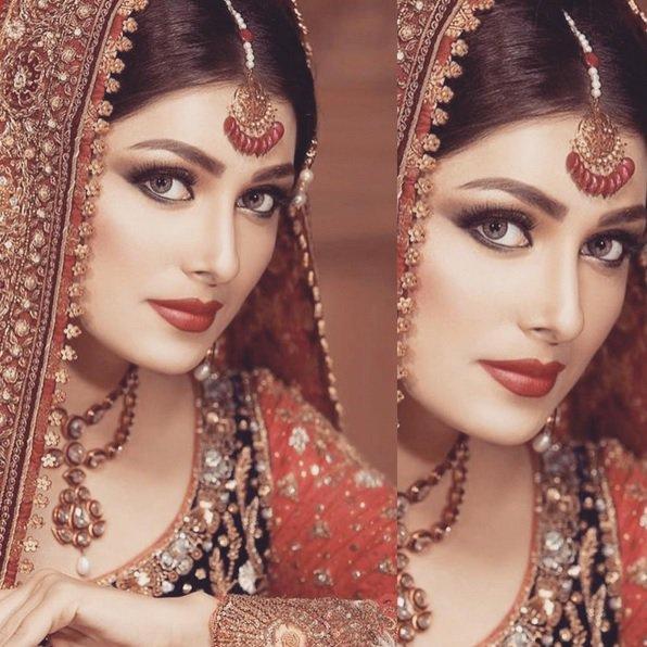 Ayeza Khan – Biography, Wedding Pics, Daughter, Dramas, Danish