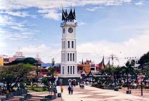 Jam Gadang – tempat wisata di sumatera barat