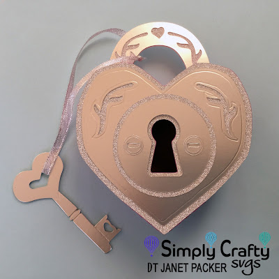 Heart Padlock Box made by Janet Packer (Crafting Quine) using the Heart Lock Box from Simply Crafty SVGs.