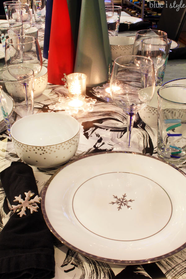 Modern Christmas Tablescape