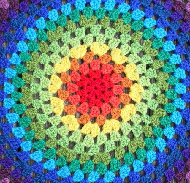 Mes favoris tricot crochet mod le gratuit un granny mandala - Modele de mandala ...