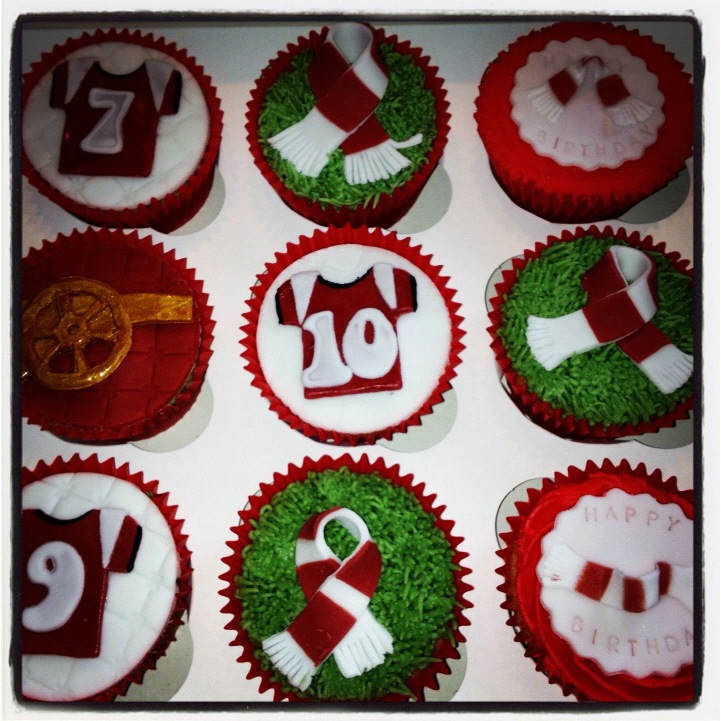 Mummypuddleduck Up the gooners Arsenal cupcakes