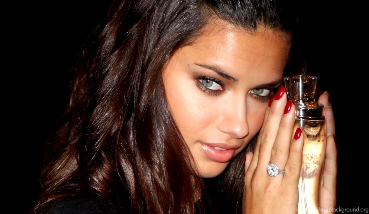 Adriana Lima Wide Hollywood Actress Hd Wallpapers