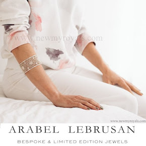 Queen Letizia Style Arabel Lebrusan filigree rosette bangle white silver bracelet