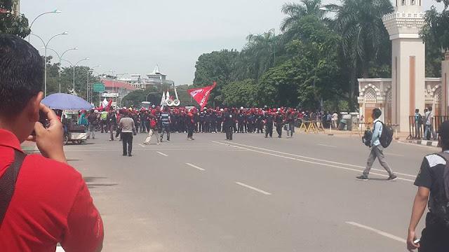 Tolak Amnesty : FSPMI & Gabungan Serikat Pekerja Lakukan Gelak Aksi Demo