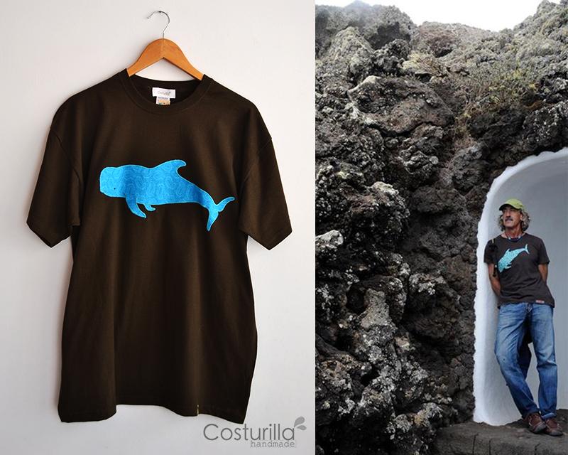 https://www.etsy.com/es/listing/158339598/camiseta-de-hombre-ballena-piloto-o?ref=shop_home_active_8