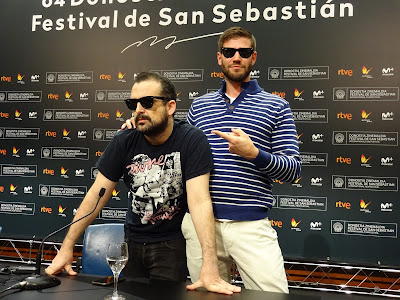 Nacho Vigalondo (Director) y Austin Stowell (Joel) - Rueda de prensa de Colossal