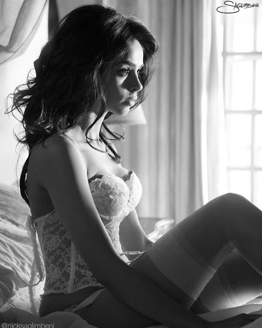 Mallika Sherawat HOT Celebrity HD Photo Download