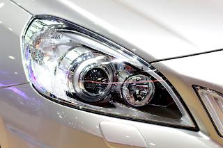 Conducir con las luces durante el día