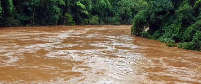 E o Rio Muquilão transbordou...