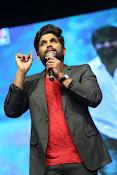 Allu Arjun at Oka Manasu Audio launch-thumbnail-1