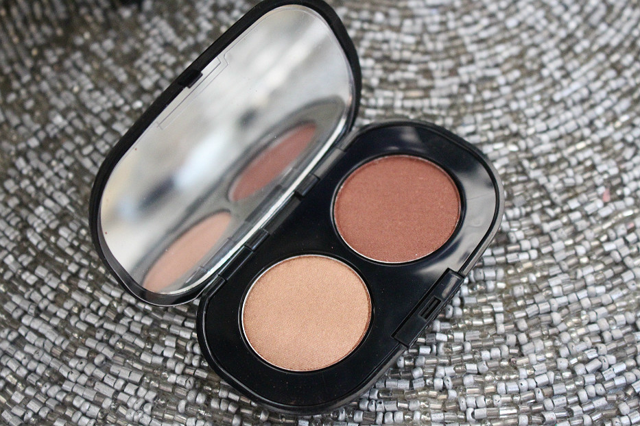 arbonne it's all in the eyes eye shadow duo swatch review