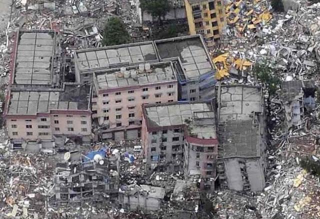Hasil gambar untuk foto gempa di iran