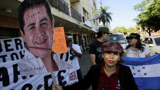 Hondureños en calles exigen salida de Hernández del poder