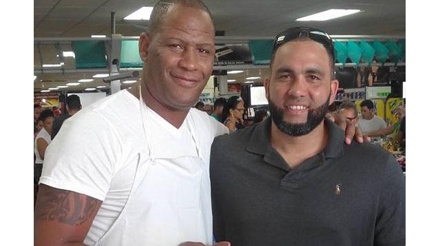 Antonio Lázaro Malleta Kerr junto al slugger e ídolo de toda una generación de cubanos, Kendry Morales