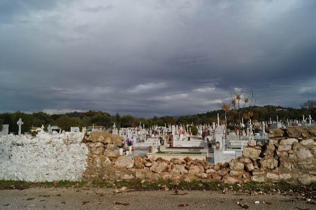 Υποχώρησε τμήμα της περίφραξης στο νεκροταφείο Ηγουμενίτσας (+ΦΩΤΟ)